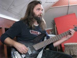 Олег Кубраков (бас)