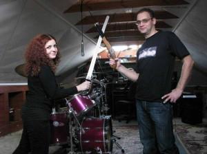 Людмила Дымкова (вокал - Йеннифэр), Алексей Мудраков (барабаны)